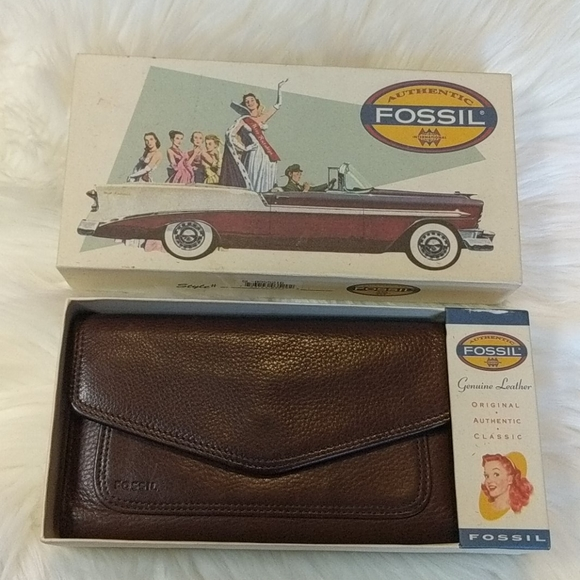 Fossil Handbags - FOSSIL Tri-Fold Leather Wallet with Original Box